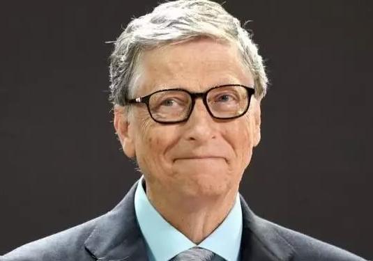 比尔·盖茨谈最大错误:让谷歌推出安卓系统 微软损失4千亿美元